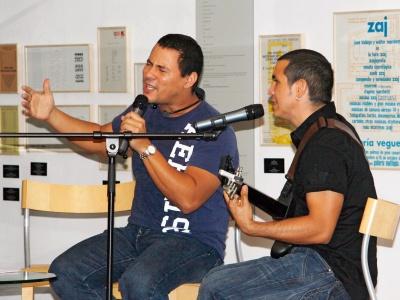 Live & akustisch - Buena Fe zogen die Gäste im Instituto Cervantes in ihren Bann
