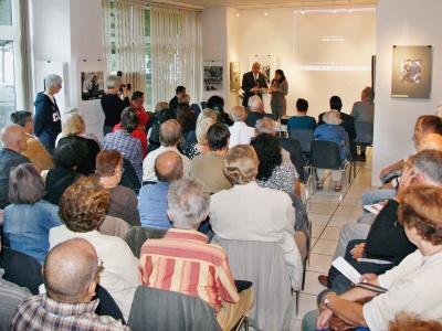 Der Botschafter der Republik Kuba, Raúl Becerra Egaña, während seines Grußwortes