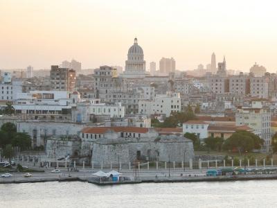 Märchenhafte Aussichten wie hier das Panorama Havannas erwarten die Teilnehmer der Rundreise durch den Osten Kubas