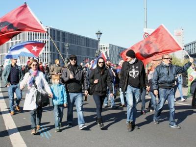 Cuba Sí auf der TTIP-Demo