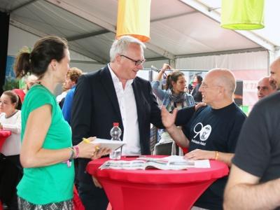 PVDA-Vorsitzender Peter Mertens (Mitte) und Jörg Rückmann von Cuba Sí