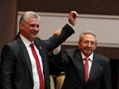 Díaz Canel und Parteichef Raúl Castro