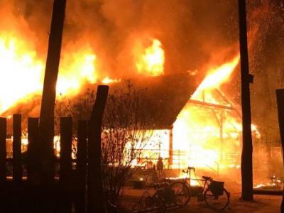 """Lichterloh brannte die """"Bude"""" am Samstagmorgen des 13. April 2019"""