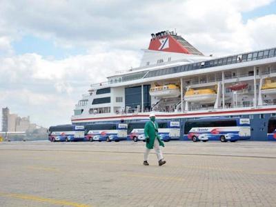 Die MS Braemar legte im Hafen von Mariel an und war bereit für die Evakuierung der Reisenden. Photo: Ricardo López Hevia