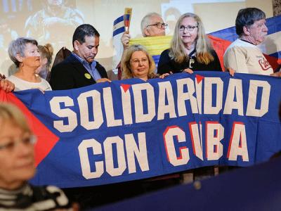 Solidarität ist die Zärtlichkeit der Völker – Manifestation für Kuba auf der Rosa-Luxemburg-Konferenz 2020, Foto: junge Welt/Christian Mang