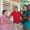 Der enge Kontakt zu den Einzelbauern sorgt für ein besseres Verständnis für die örtlichen Gegebenheiten. Hier erörtern Justo und Konny von Cuba sí mit dem Projektleiter Trujillo und dem Einzelbauern Victor Bages die nächsten Aufgaben.