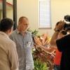 Um der einseitigen Berichterstattung über Kuba entgegenzuwirken nutzen wir alle Medien. Hier berichtet Reiner dem Fernsehen über die Projektarbeit von Cuba Sí (2006)