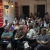Die Solidaritaetsarbeit interessiert die kubanischen Gaeste.