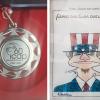 Die Freundschaftsmedaille des ICAP, zusammen mit einem Geschenk zum 30. Jubiläum der Gründung der AG Cuba sí von der Freundschaftsgesellschaft BRD-Kuba e.V. Foto: Cuba sí