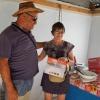 20. März: Besuch der UBPC Eliomar Noa, um einen dreiflammigen Herd, Geschirr, einen Reiskocher und Kellen als Spende von Juttas Vater zu übergeben. Ein herzliches Dankeschön von Antonio Pineda Labañino und den Köchinnen! Foto: Cuba Sí