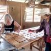 12. März: Arbeit in der Tischlerei gearbeitet, Foto: Cuba Sí
