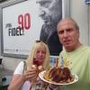 Vor einem Fidel-Castro-Plakat in Rostock
