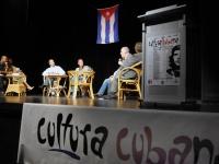 Podiumsdiskussion bei der Kuba-Woche in Ulm