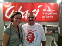 Treffen mit Freunden: Martha und Roberto am Stand von Cuba Sí