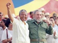 Nelson Mandela und Fidel Castro am 26.Juli 1991 in Matanzas, Kuba.