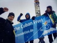 Spitzenaktion erfolgreich: Aktivisten fordern Freiheit für die 5 auf der Zugspit