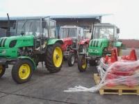 Traktoren für die Cuba Sí-Projekte bei ihrer Ankunft im Hafen von Havanna