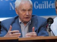 Hans Modrow präsentiert sein Perestroika-Buch in Havanna