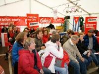 Volles Haus im LINKE-Zelt während einer der zahlreichen Diskussionsrunden.
